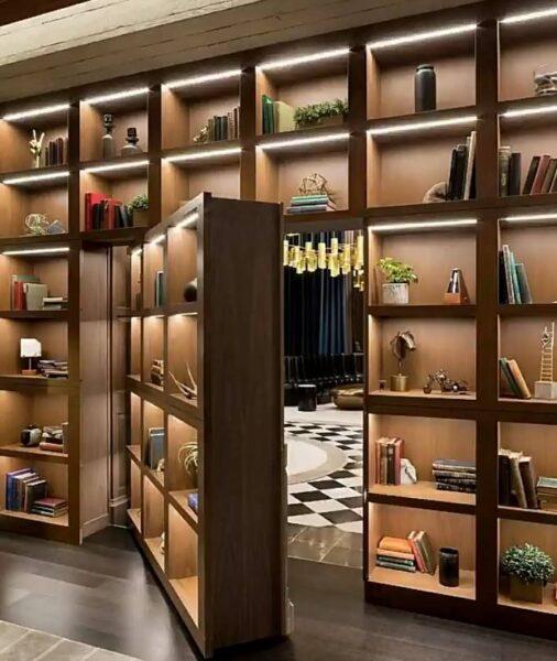 کتابخانه با درب مخفی چوبی