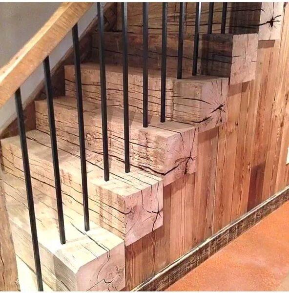 پله چوبی جالب
