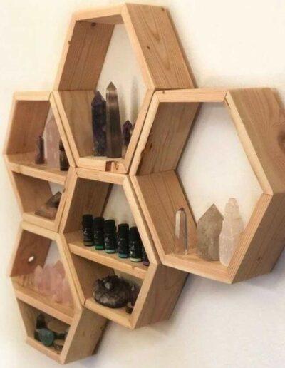 شلف و قفسه چوبی شش ضلعی