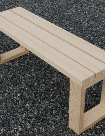 نیمکت چوبی ساده