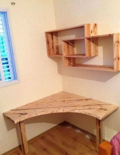 میز و شلف دیواری چوب کاج