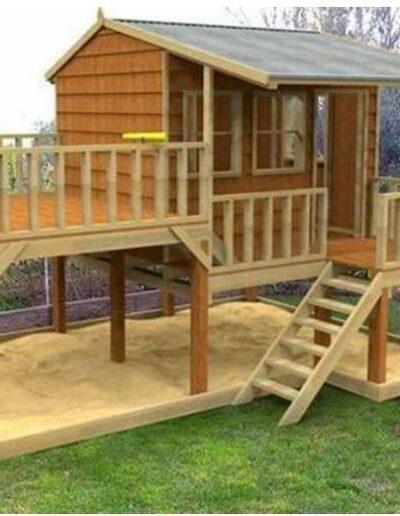 کلبه چوبی برای بازی کودکان