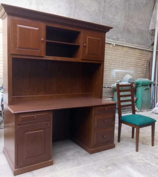 کتابخانه چوبی، چوب راش، ساخت میز تحریر.