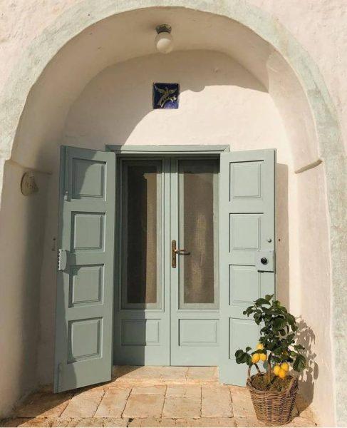 درب ورودی ساختمان , درب های دوبل سمت حیاط