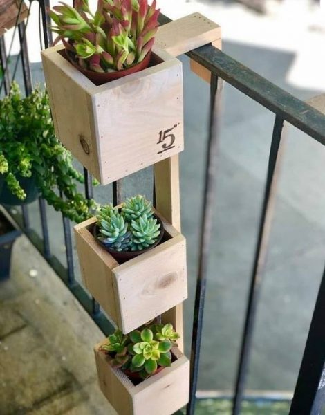 جای گلدان خلاقانه برای نصب روی نرده تراس و بالکن