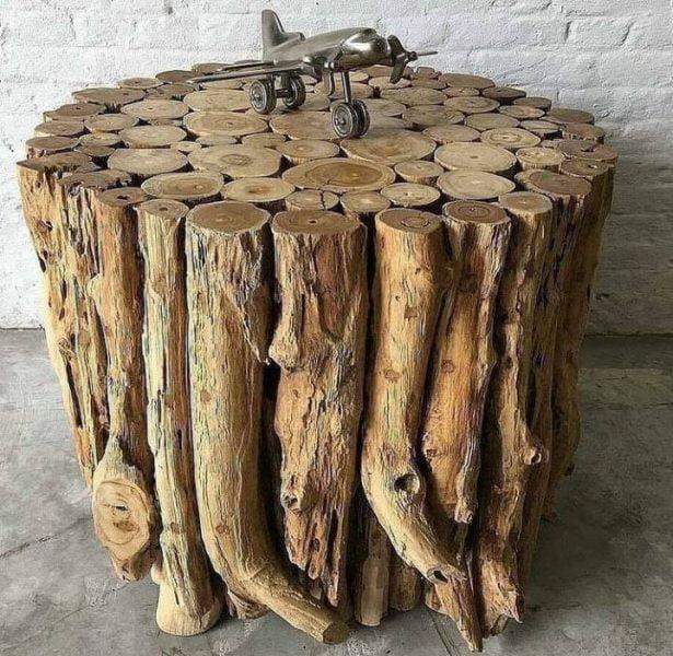 میز ساخته شده از تنه و شاخه درخت