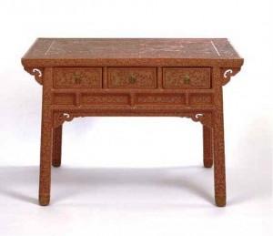 میز حکاکی شده چینی متعلق به سلسله مینگ
