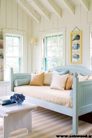 اتاق نشیمن ساحلی خانه ای در جامائیکا با کفپوش مرمری و مبلمان سفید، طراحی توسط رالف و ریکی لورن