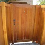 چوب طبیعی در دیزاین حیاط و ساخت آلاچیق و پرگولا
