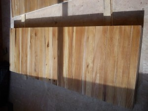 دیوارکوب چوبی لمبه