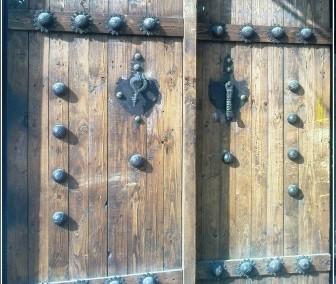 نمونه کار درب قدیمی چوبی