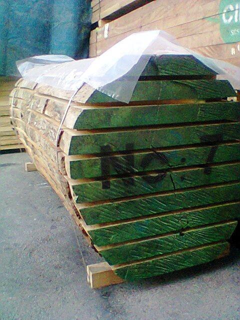 تخته خارجی چوب راش برش خورده از یک تنه درخت و بسته بندی بصورت رابند