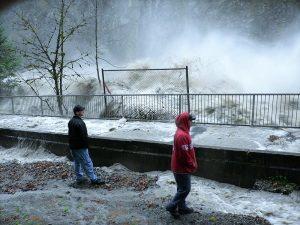 طغیان یک رودخانه در ایالت واشنگتن در آمریکا