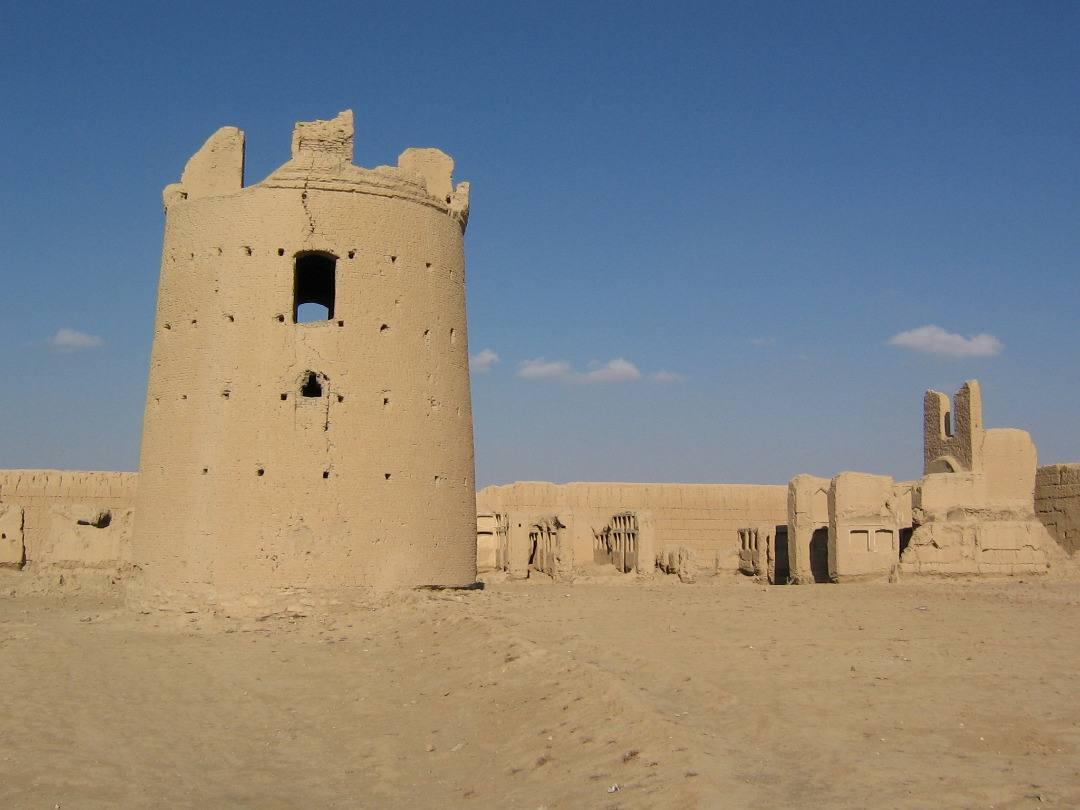 برج و قلعه حسن خان مهرآباد ابرکوه یزد، بومگردی ایران زمین