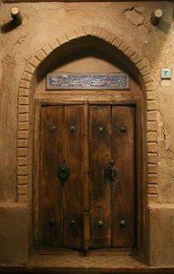 درب چوبی قدیمی
