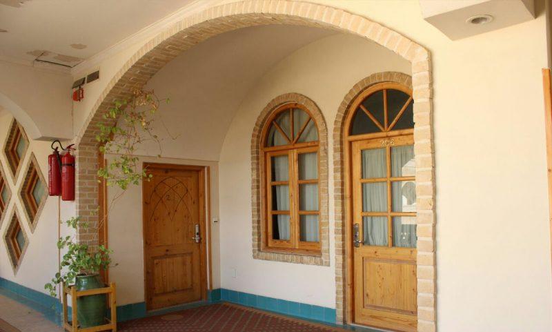 درب و پنجره سنتی ایرانی