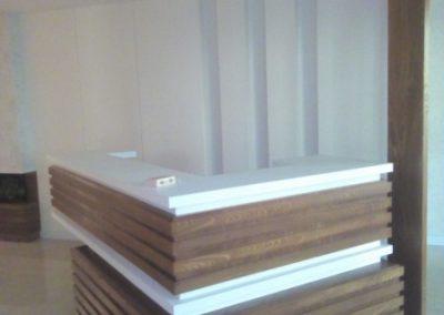 طراحی و دیزاین ساختمان میز لابی من ، دکوراسیون ورودی ساختمان ، فرمانیه ساختمان پارادایز