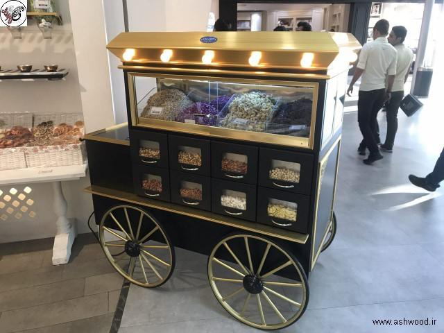 استفاده از ماکت لوکوموتیو و گاری در دکوراسیون قنادی و شیرینی فروشی