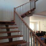 ساخت پله با نرده چوبی