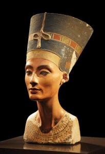بالاتنه نفرتیتی، ۱۳۴۵ پیش از میلاد، موزه مصرشناسی برلین
