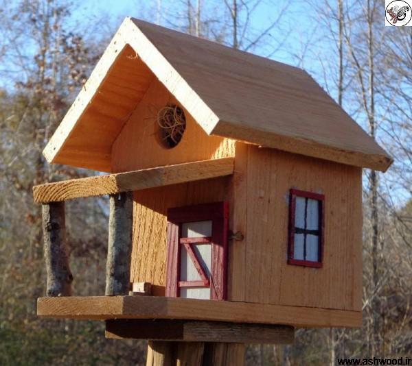 خانه چوبی برای پرندگان ساخته شده از چوب کاج
