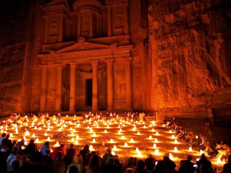 پترا، اردن ( Petra, Jordan )  شهری که شایعه است بدست جن ها ساخته شده است