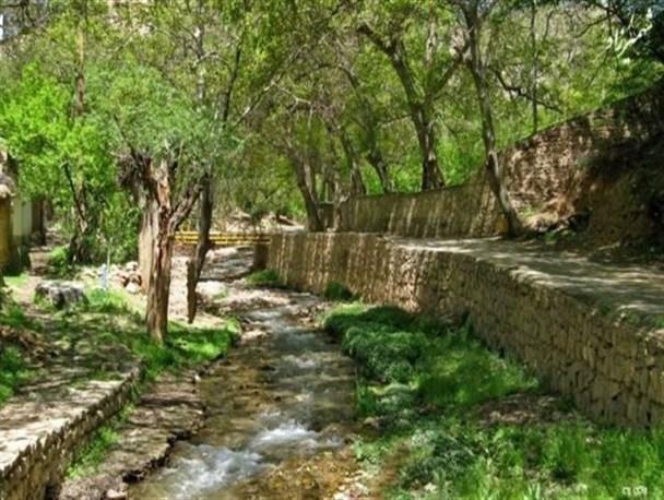 بهشتی در حاشیه کویر سمنان ، شهمیرزاد