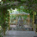 پروژه باغ 110 تهران کرج ، ساخت استخر ، کلبه بازی , چله و کلبه چوبی ، سقف چوبی سایبان ماشین ، آلاچیق