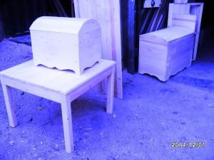 صندوقچه چوبی و میز تمام چوب کاج