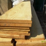 چوب کاج فنلاندی به عرض تخته 30 سانت کمیاب
