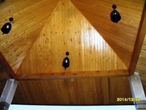 سقف آلاچیق لمبه کاری شده با کاج روس