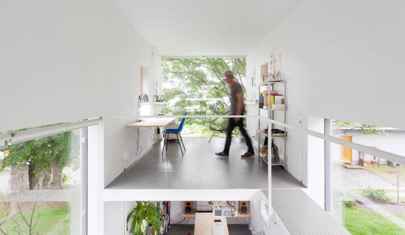 اتاق کار با وسایل چوبی
