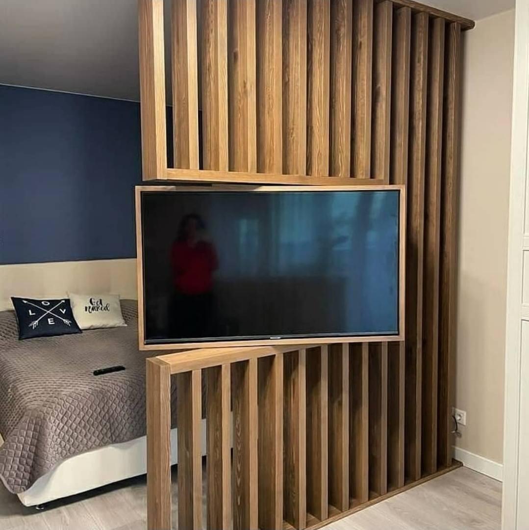 دیوار تلویزیون و lcd 360 درجه قابل چرخش , اجرای دیوار چوبی برای دیوار tv