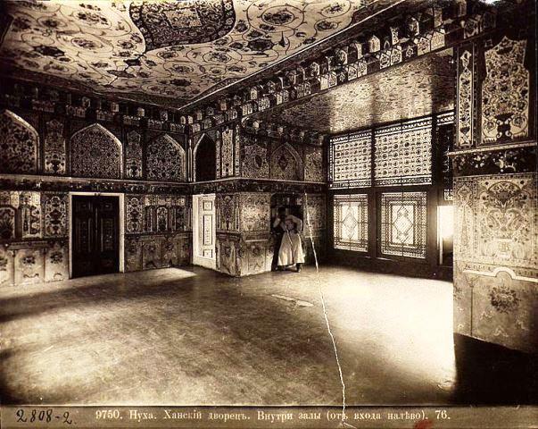 کاخ شکی خان ، هنر گره چینی
