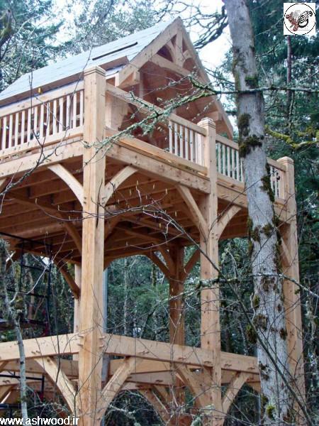 تزئین دکوراسیون خارجی بوسیله چوبهای کهنه و تنه خشک درختان و پوست و شاخه خشک درخت