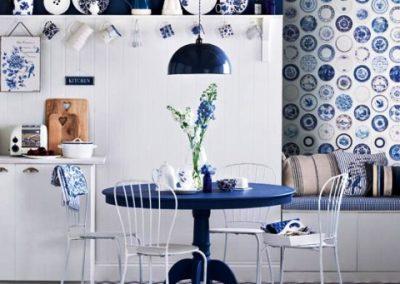 رنگ سفید و آبی ترکیبی کلاسیکه در دکوراسیون داخلی منزل
