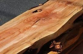 چوب درخت عرعر