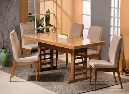 میز و صندلی ساخته شده از چوب راش