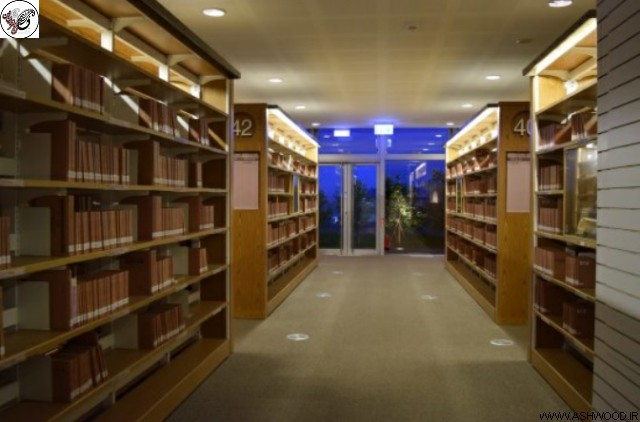 دکوراسیون و میز کتابخانه