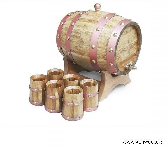 بشکه چوبی و لیوان