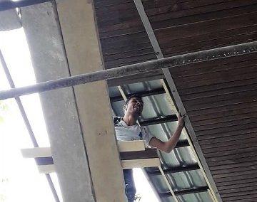 اجرای لمبه کوبی سقف چوب کاج روسی و دیوارکوب چوب ترمووود فنلاندی پروژه دکتر محمودیان