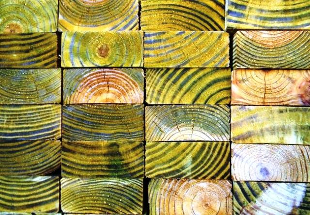 رنگکاری و نقاشی روی چوب