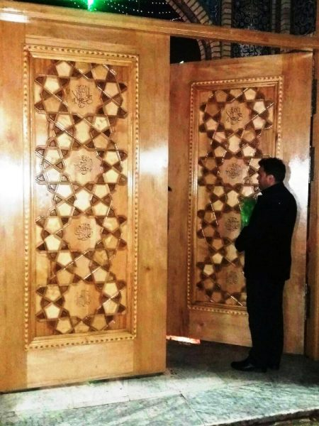 درب چوبی هنر گره سازی گره چینی و گره توپر