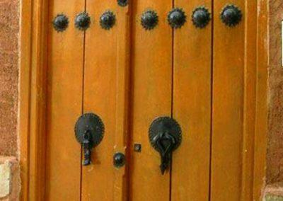 درب قدیمی کلون دار