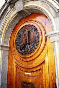 نمای کلاسیک در دکوراسیون داخلی و نمای ساختمان