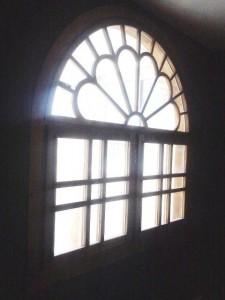 پنجره گره چینی