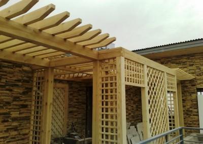 دکوراسیون چوبی ستون چوبی تیر چوبی سقف لمبه کوبی سقف و دیوار چوبی