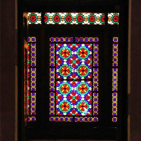 درب و پنجره قدیمی و سنتی ایرانی , تصویر با کیفیت پنجره ارسی , ارسی گوشه ی گمشده ی آواز خانه ی ایرانی , پنجره های اورسی ,