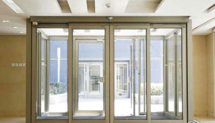 درهای شیشه ای در دکوراسیون منزل