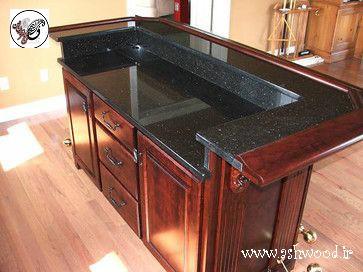 طراحی آشپزخانه همراه با میز بار به سبک کلاسیک